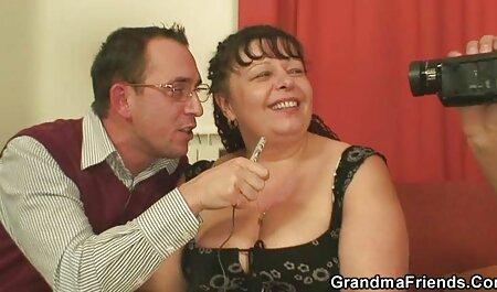 A szuper aranyos barna orális szex magyarul beszelo porno film a POV videó.