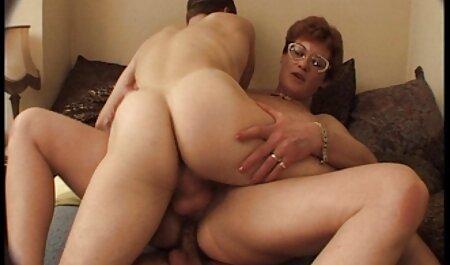 HardX lovagol egy nagy fekete teljes pornó filmek magyarul kakas szemüveggel.