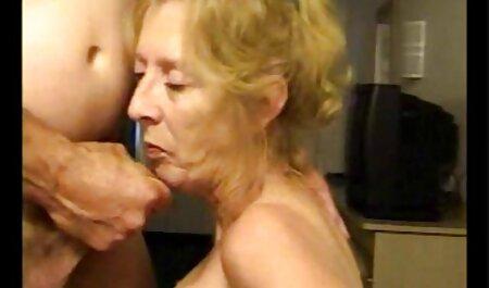 Játszik a seggét, punci, amíg ő szar magyarul beszélő pornó filmek