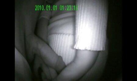 Jelmez babe permetezni magát a sperma, miután hazi porno filmek hármasban szex.