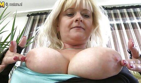 Neyla Kimy rózsaszín hálóing Mély torok, titty szinkronos pornó filmek Szex, Arc hevederek.