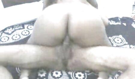 Busty Tinka rázza a kelemen anna porno videoi seggét, lovagol egy dildo!